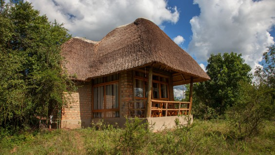 Mburo Safari Lodge Honeymoon Cottage